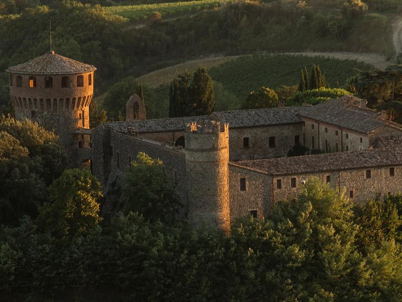https://www.winelist.nl/media/cache/16x9_thumb/media/image/brand-banner/CastellodellaSala_Estate.jpg