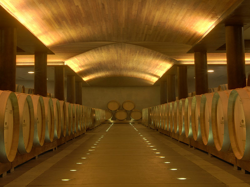 https://www.winelist.nl/media/cache/16x9_thumb/media/image/brand-banner/Lapostolle_estate_groot_4.jpg