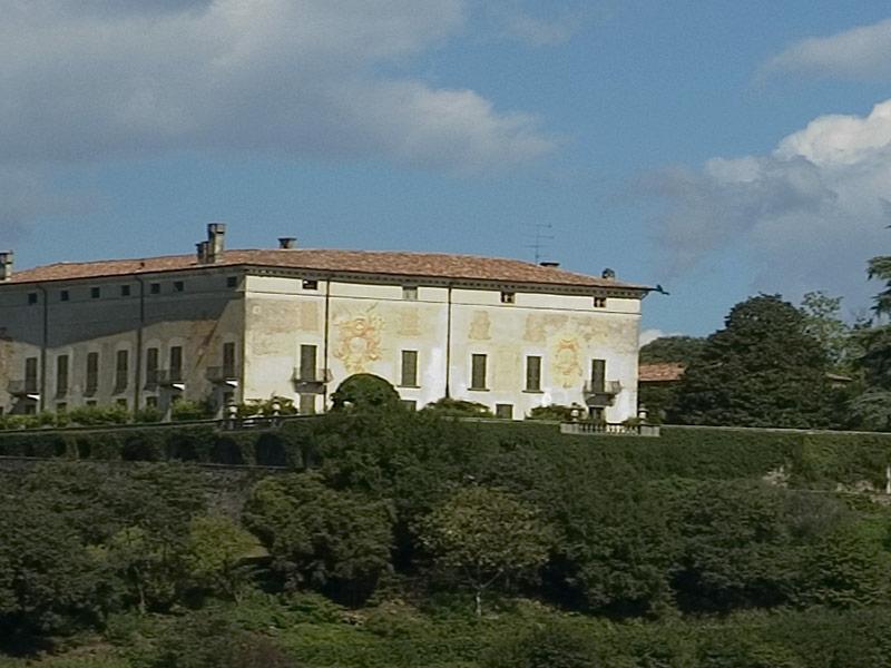 https://www.winelist.nl/media/cache/16x9_thumb/media/image/brand-banner/TENUTA_MONTENISA_estate.jpg